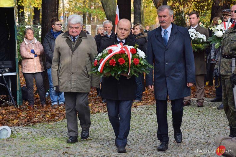 https://www.jaslo4u.pl/static/gallery/2019/11/obchody_narodowego_dnia_niepodleglosci_w_jasle_201_1889//n/57.jpg