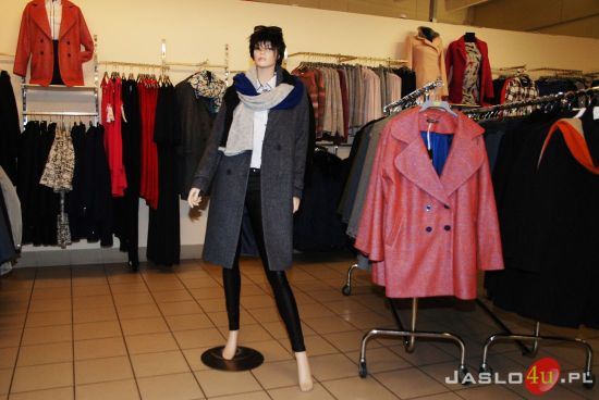 da5aab1d11e0a0 Posiadamy w ofercie kurtki i płaszcze znanych polskich marek takich jak: COTTON  CLUB ...
